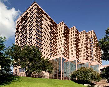 Sheraton Austin - Formula One Hotels in Austin