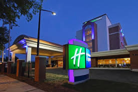 Book Downtown Augusta Holiday Inn Express Rooms for Masters Tournament - click here!