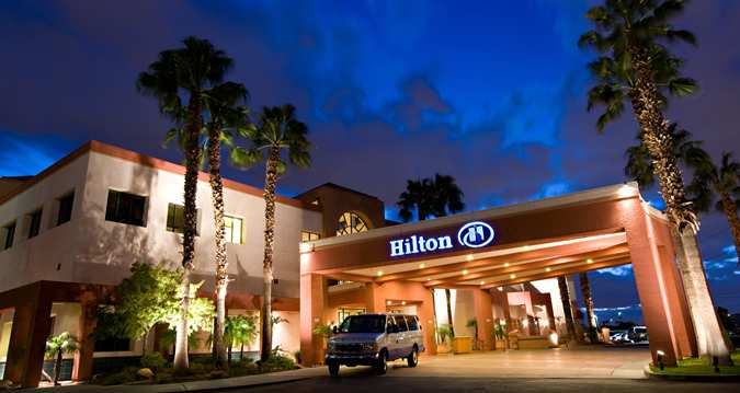 Book The Hilton Phoenix Airport  for the Superbowl 2015 now!
