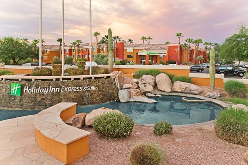 Book The Holiday Inn Express / Scottsdale for the Superbowl 2015 now!